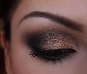 siyah bronz göz makyajı
