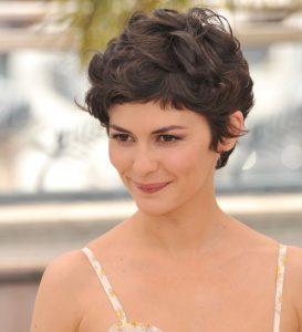 Sevimli Kısa Dalgalı Saç Modeli