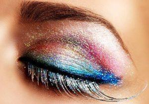 parlak göz makyajı