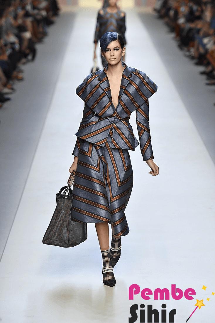 2017 Moda Trendleri: Baştan Aşağı Çiçek Desenleri